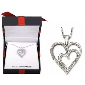 1/10 CT. T.W. Diamond Heart Pendandant Necklace